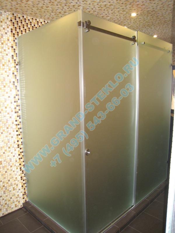угловая раздвижная душевая кабина из матового стекла